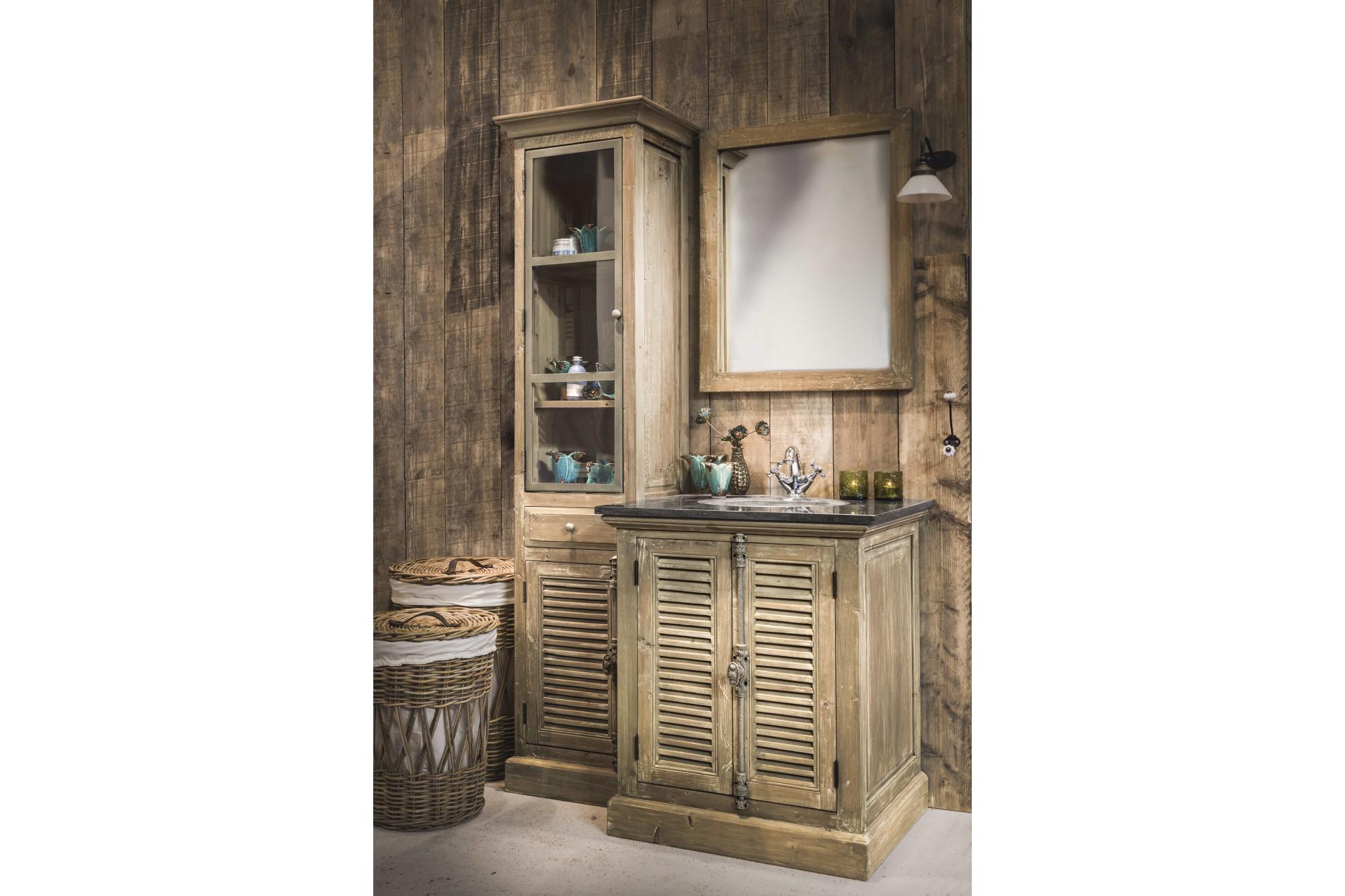 Meuble de salle de bain en bois aux portes persiennes - Meuble de salle de bain bois exotique ...