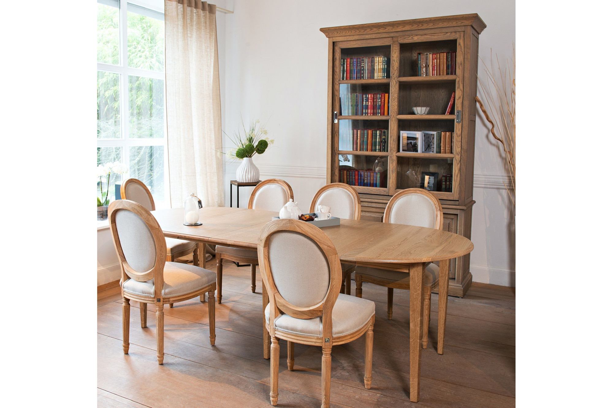 Table ronde bois à rallonges - 115 cm - Pieds fuseau - VICTORIA. Appuyez  pour agrandir 4e892b074cea
