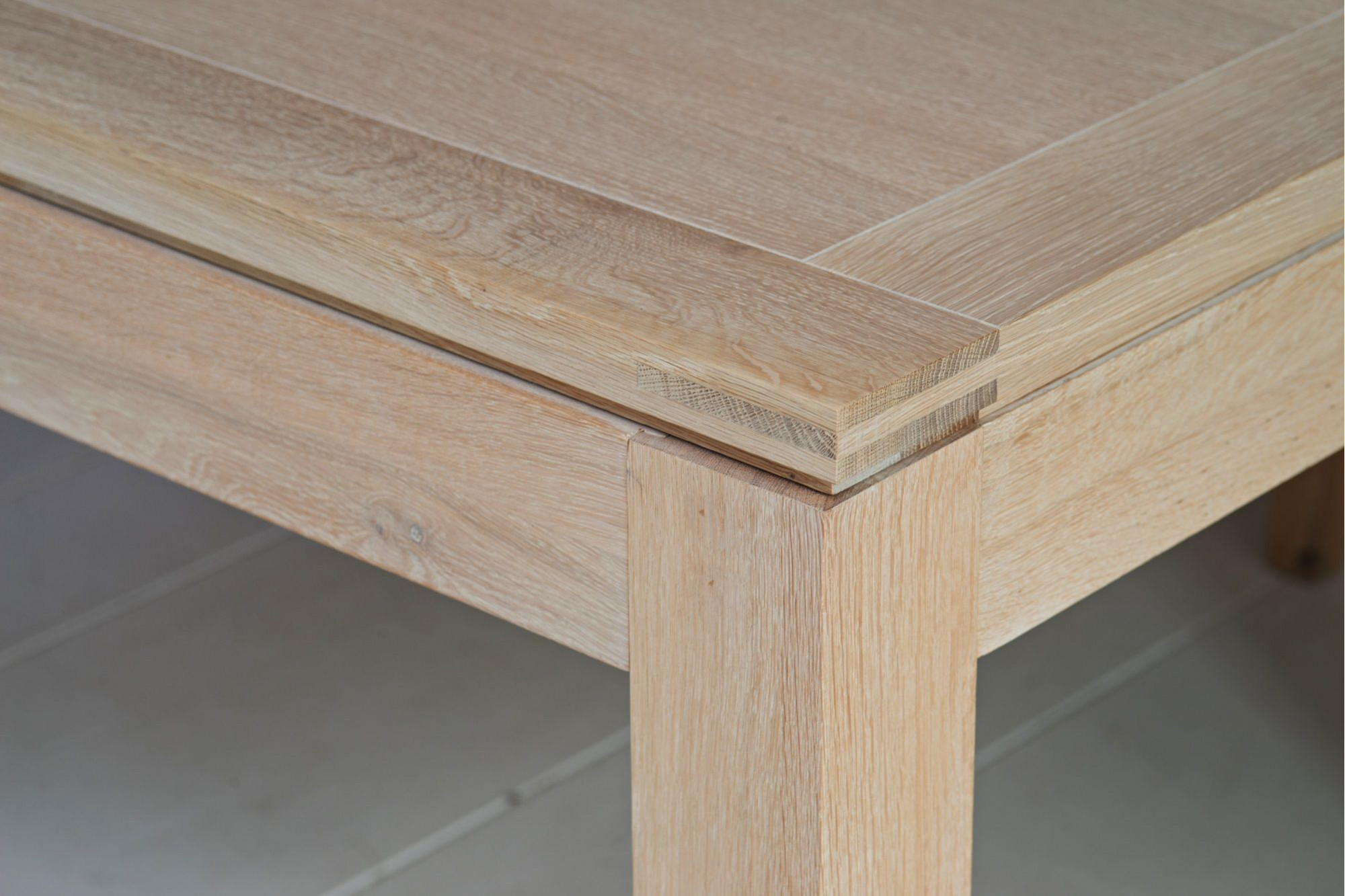 Table En Bois Chene Clair table carrÉe bois massif boston - chÊne blanchi